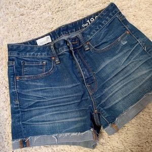 Gap Shorts Slim Cut-Offs